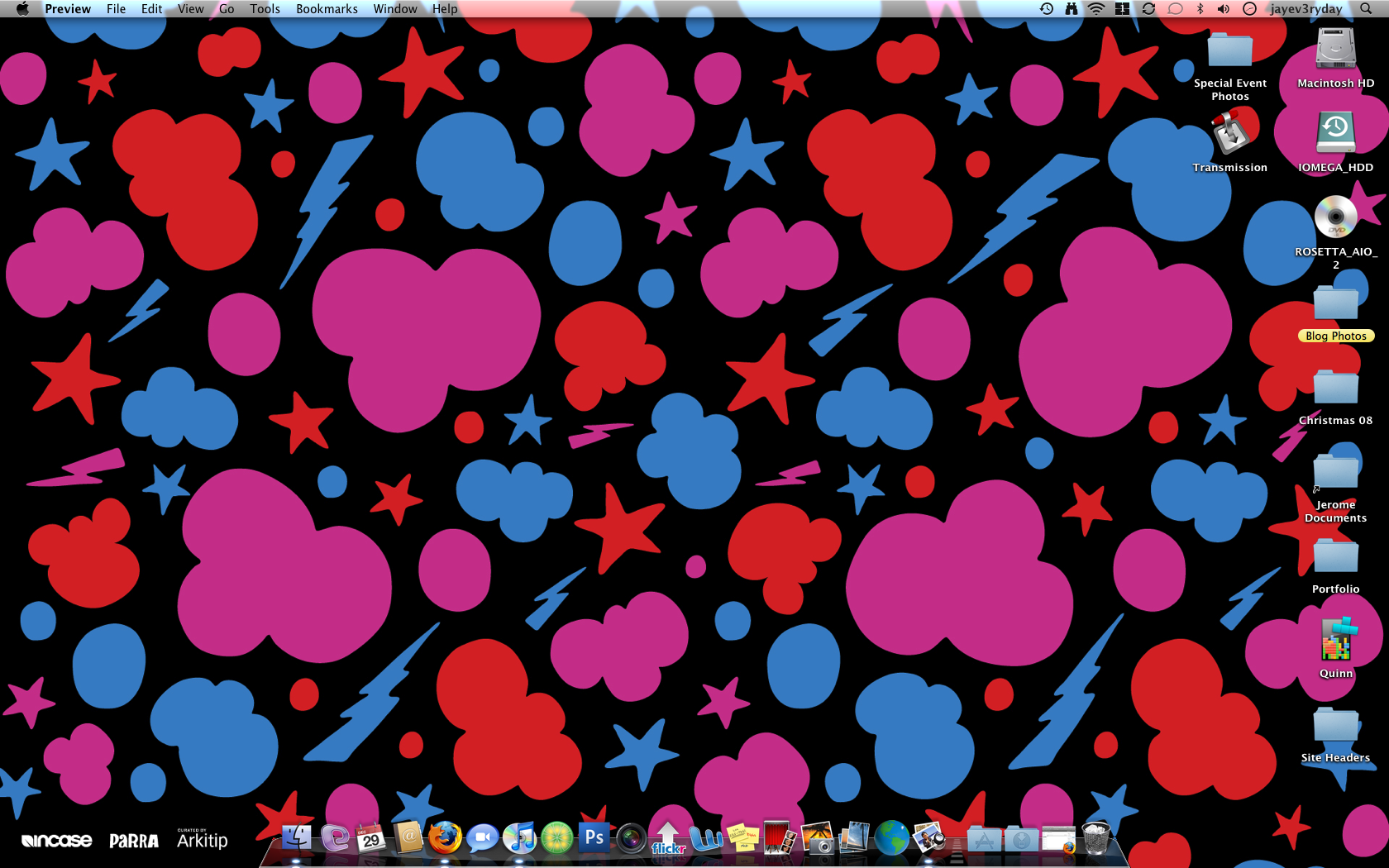 Following the custom Incase design they decided to make this popular design into a wallpaper and also a screensaver.