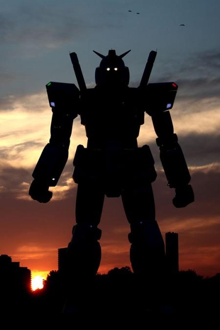 59_foot_tall_gundam_at_night_02