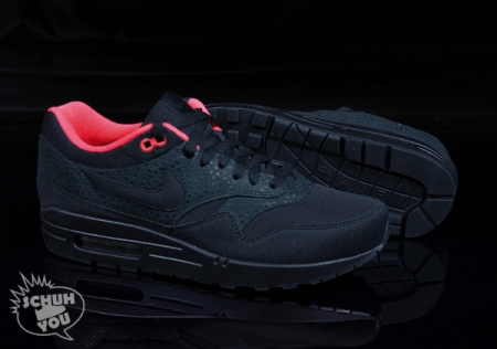 nike-wmns-air-max-1-black-red-06